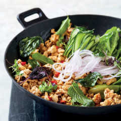 Aromatic chicken larb with crispy basil