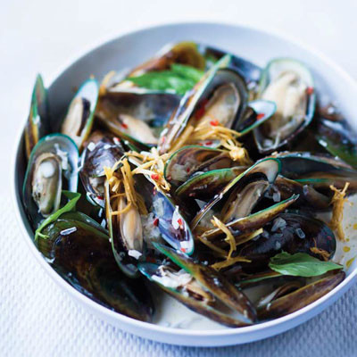 Coconut, chilli and ginger mussels