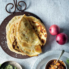 Panfried puri flatbreads