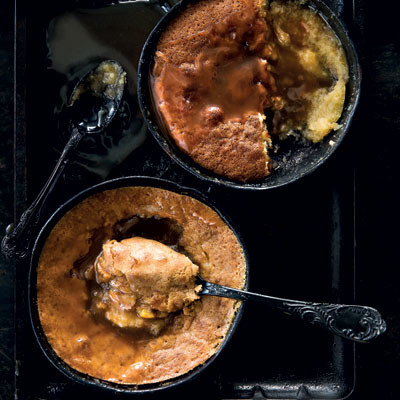 Balsamic vinegar pudding with balsamic caramel