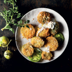 Fried green tomatoes with buttermilk dressing