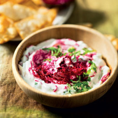 Apple-and-beetroot raita