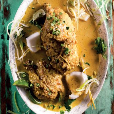 Tamarind-flavoured Thai chicken curry