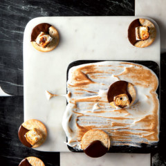 Charcoal-caramelised s'mores