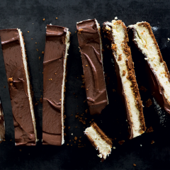 Ginger-and-dark-chocolate cheesecake bars