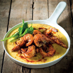 Panfried prawns with sweetcorn purĎe