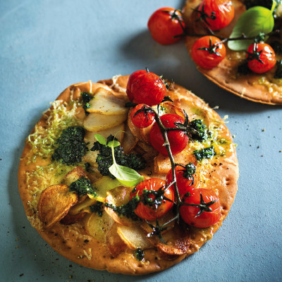 Rosemary, smoked cheese and potato gluten-free pizza