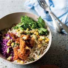 Asian noodle salad with crunchy chicken