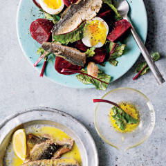 Smoked kippers in lemon butter with beetroot and softboiled eggs