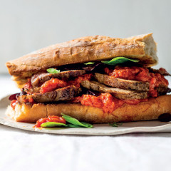 Chakalaka prego steak sarmie