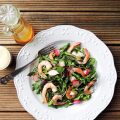 Prawns and asparagus salad with verjuice dressing and mayo