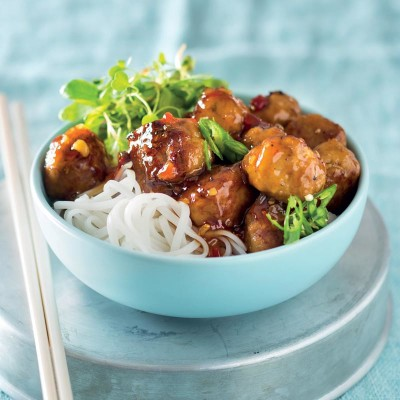 Soya-and-ginger pork meatballs
