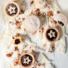"Mince pies on white chocolate ""bark"""
