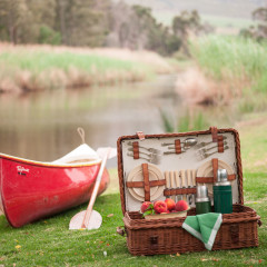 5 epic beach picnic basket fillers