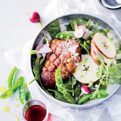Warm gammon and crunchy apple salad