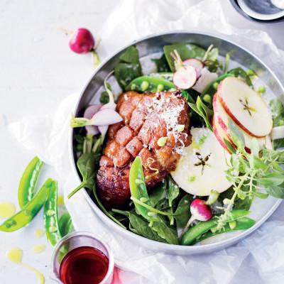 Warm gammon and crunchy apple salad