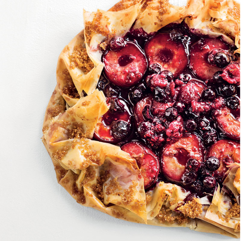 Easy Stone Fruit-and-berry Pie