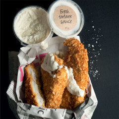 Fish in chips with tartare sauce