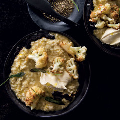 Balsamic risotto with cauliflower and crispy sage