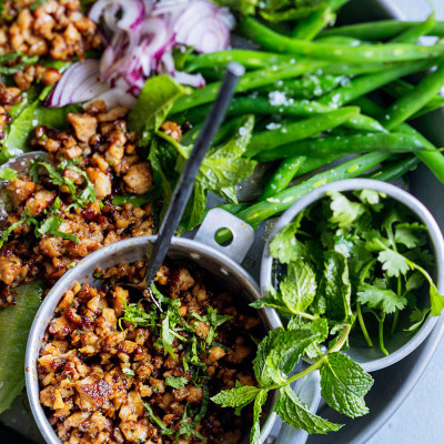 Chicken larb with lettuce