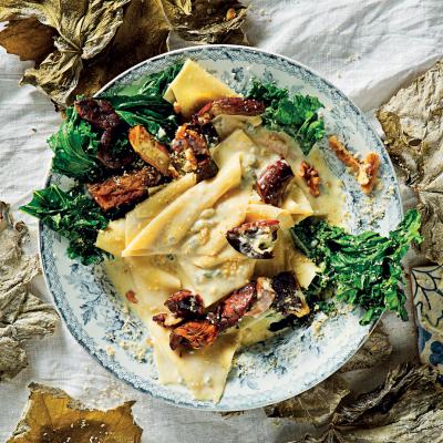 Creamy Gorgonzola fazzoletti pasta with porcini