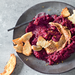 Beetroot dip with almond butter