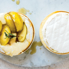 Molten camembert with caramelised apples