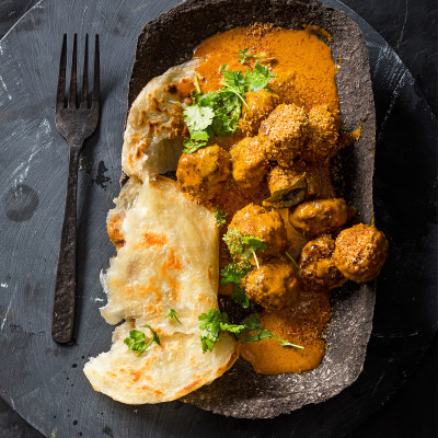 Spicy sosatie frikkadel curry