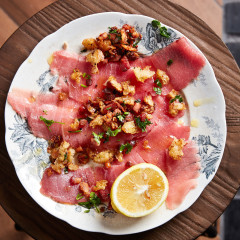 Crudo with pangrattato