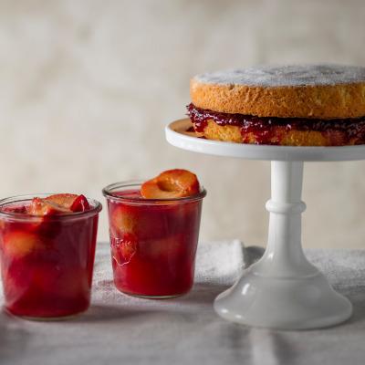 Nana's victorian sponge cake