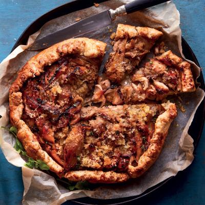 Rustic chicken pie