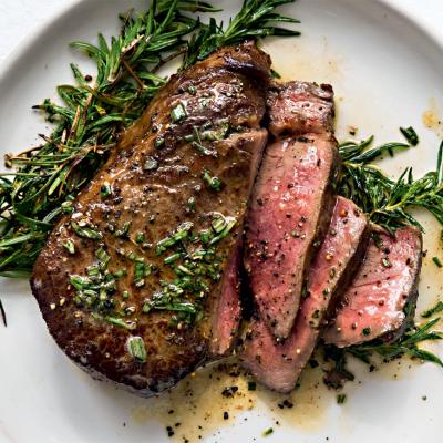 1 steak, 3 sauces