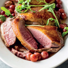 Roast duck breast with grapes and Hanepoot sauce