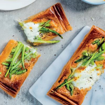 Asparagus-and-mozzarella phyllo tart