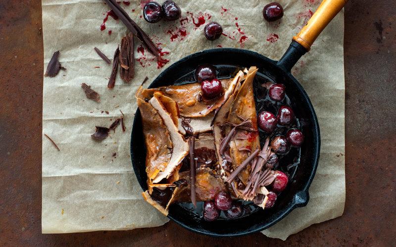 Caramelised chocolate crepes