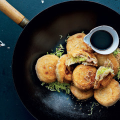 Chinese-style pork-and-cabbage-stuffed pancakes