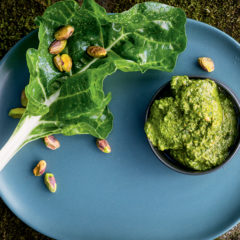 Spinach-and-pistachio pesto