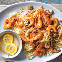 Oven-baked prawns and mushroom pasta