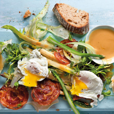 asparagus-and-fennel-salad-with-pancetta-and-poached-egg