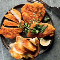 Chicken schnitzel with easy sheet potatoes and coriander butter
