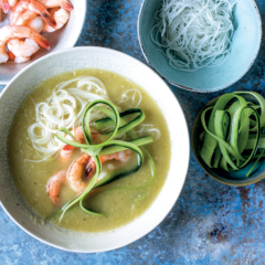 Cold cucumber soup with prawns and rice vermicelli