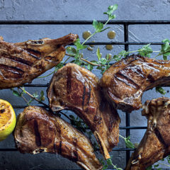 Winey oregano-and-lemon lamb chops