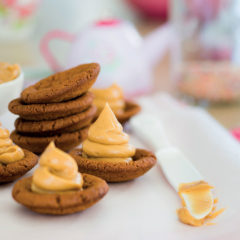 Ginger biscuits with peanut butter