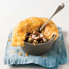 Ham-and-mushroom pie