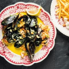 Steamed mussel pot