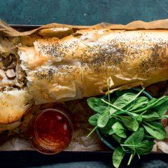Chicken-and-mushrooms strudel