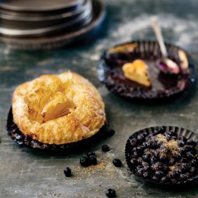 Three-ingredient blueberry pie