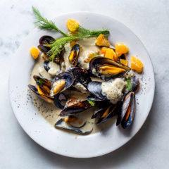 Caramelised orange-and-fennel mussels