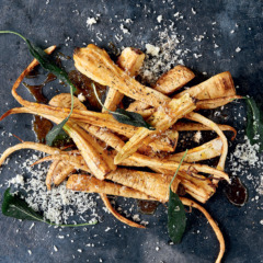 Crispy parsnips with maple syrup and Parmesan