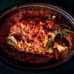 Chicken meatloaf with tomato sauce